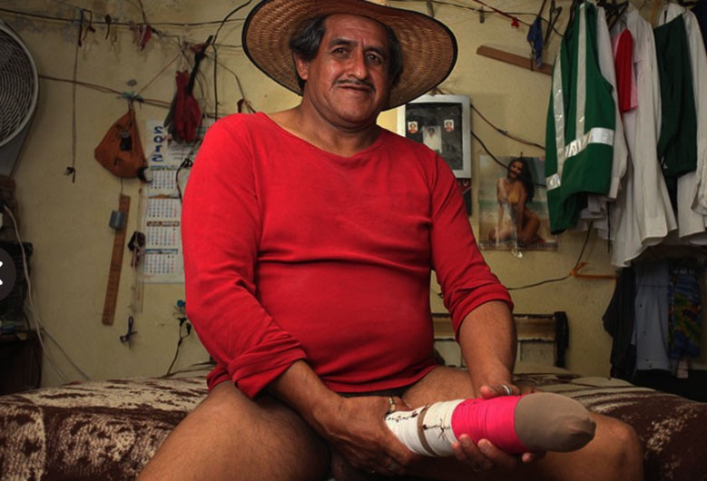 roberto esquivel cabrera posing with his penis