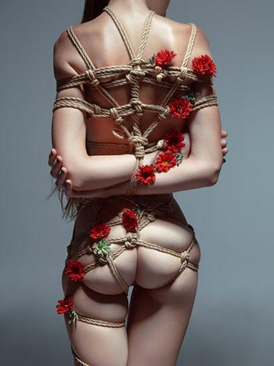 Using bondage rope